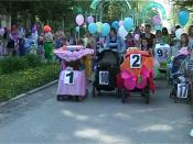 В Назарово прошел парад колясок