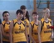Угольщики вышли на волейбольную площадку в Назарово
