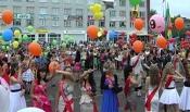 В Назарово прошли выпускные балы