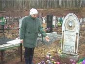 На назаровском кладбище «подселяют покойников»