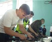 Назаровские школьники мерялись силами с солдатами Ачинского полка