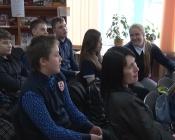 Назаровских старшеклассников знакомят с юбилярами города