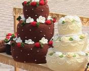 Вязаные торты и платья представили назаровские мастерицы