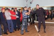 Полицейские Назарово присоединились к акции «Зарядка со стражами порядка»