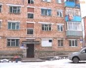 В городе Назарово соседи запретили пенсионерке ходить в туалет