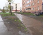 Под окнами жильцов дома №100 по улице 30 лет ВЛКСМ пропал забор