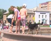 Назаровские фонтаны почистили и заменили в них воду