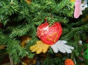 Украшение новогодних елок вызвало возмущение родителей