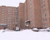 В городе Назарово жители девятиэтажки устали жить без света и лифтов