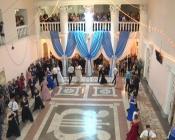 Назаровские студенты в ожидании юбилейного торжества