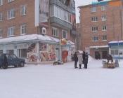 Торгующих пенсионеров в городе Назарово огородят забором