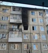 «Гонял чертей и поджёг квартиру». В городе Назарово мужчина мог погибнуть