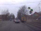 В городе Назарово начали массово убирать пыль с дорог и тротуаров