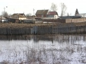 Многодетные семьи получают землю, но боятся строить там дома