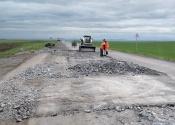 В Назаровском районе проходят дорожно-ремонтные работы