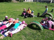 Старшеклассники Назаровского района учат дошколят слушать и читать