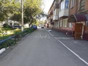 Во дворе дома на 30 лет ВЛКСМ появилась необычная дорожная разметка