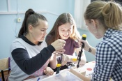 Назаровские школьники впервые почувствовали себя в роли ученых