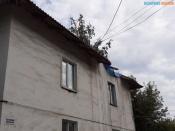 В городе Назарово продолжают выполнять капитальный ремонт на крышах