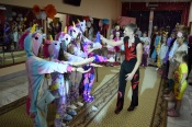 Домашняя одежда стала необычным нарядом для молодёжи города Назарово