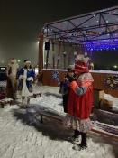 В скверах города Назарово официально открыли снежные городки