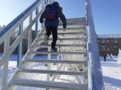 """Ледовые фигуры в городе Назарово """"похудели"""" и """"потеряли"""" лицо, а горки стали опасными"""