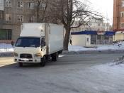 Машина на скорости влетела в крыльцо аптеки в городе Назарово. 5 девушек чудом спаслись от удара