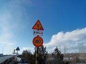 Движение на Ачинском автомобильном мосту на выезде из Назарова осложнено