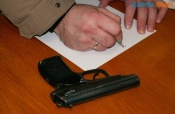 Владельцам оружия советуют не брать его на увеселительные мероприятия