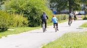 Пешеход прав: велосипедисты мешают гулять по тротуарам в Назарове