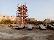 Назаровцы мешают строителям и осознанно рискуют получить травмы
