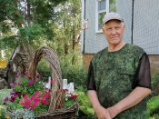 Цветочные клумбы города Назарово: трудоёмко, но красота необыкновенная