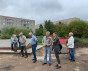 Ветераны остались довольны ходом работ на мемориале города Назарово