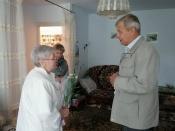 В преддверии празднования Дня окончания Второй мировой войны глава города Сергей Сухарев побывал в гостях у Авербух Аллы Абрамовны