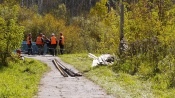 Шахтёры начали ремонтировать бетонный мост в березовой роще