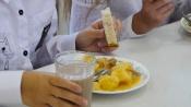 Корреспонденты «Пирамида-ТВ» позавтракали в школьной столовой по просьбам родителей