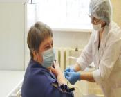 Пять назаровских врачей прошли вакцинацию от коронавируса