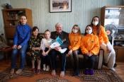 Ветераны Назаровского разреза получили «живые открытки» с Днем защитника Отечества