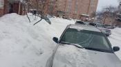 Назаровец припарковал машину под окнами и понес материальный ущерб