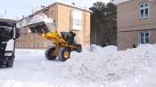 Дорожная служба продолжает устранять последствия обильных снегопадов и сильного ветра