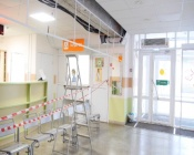 В Назаровской  детской поликлинике обрушилась потолочная плитка